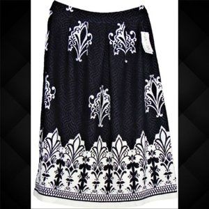Sami + Dani Pique Navy & White Skirt Size Medium